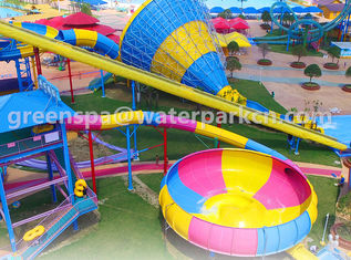 Anggota Keluarga Big Amusement Water Park Peralatan Durable Customised Warna